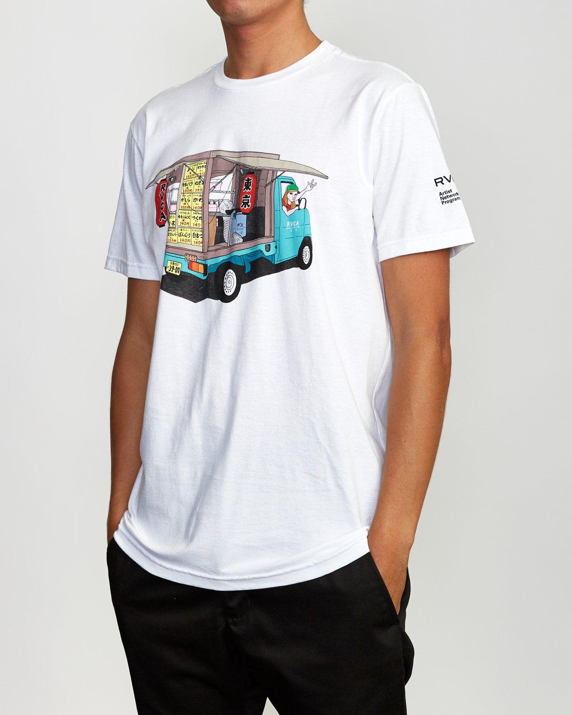 2 HotFudge Tokyo T-Shirt White M401VRHF RVCA