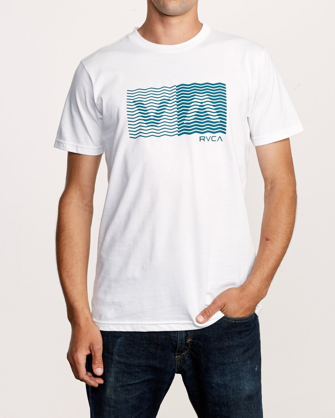 1 Random Box T-Shirt White M401VRRB RVCA