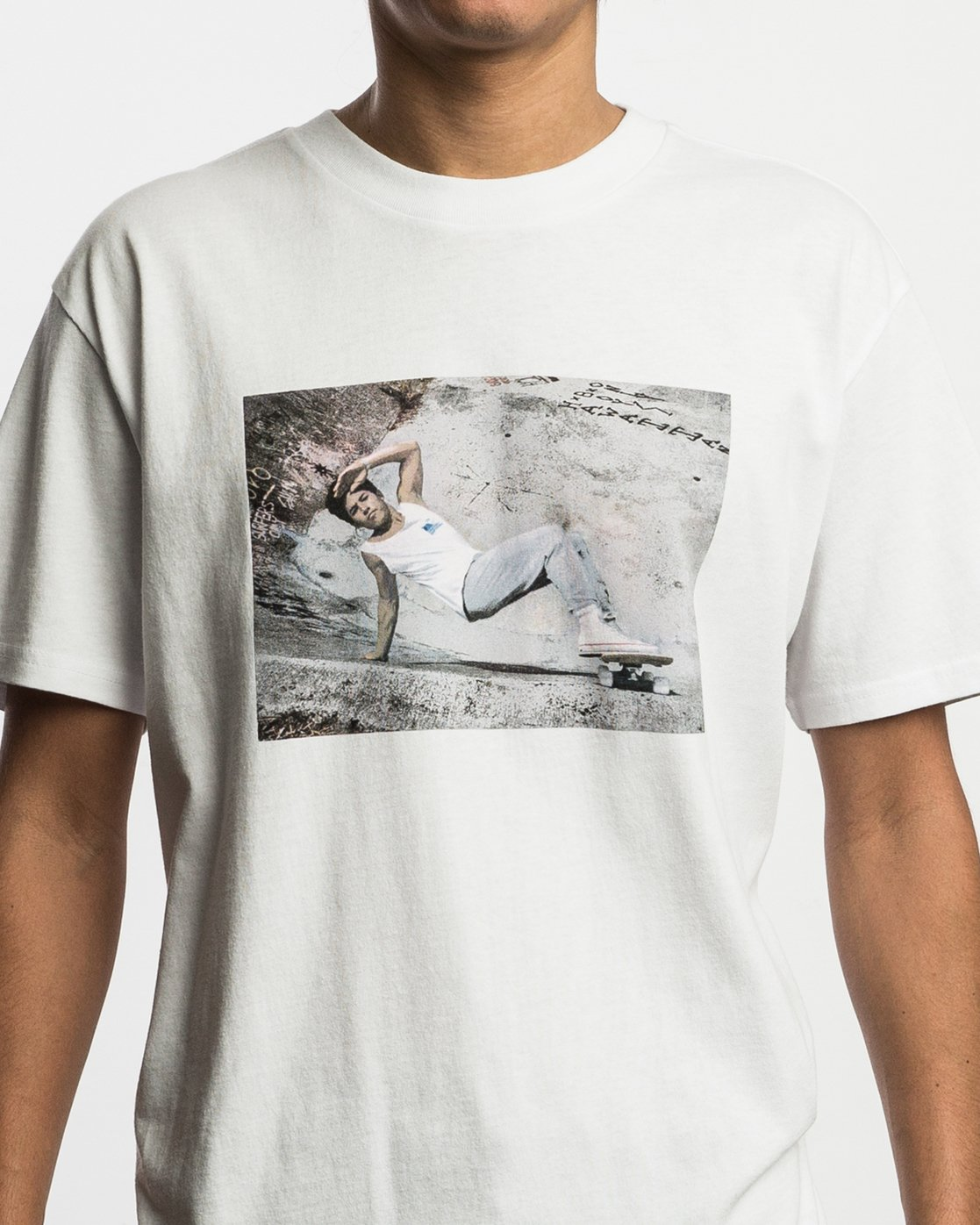 5 Christian Hosoi Oblow Layback T-Shirt White M410SRHS RVCA