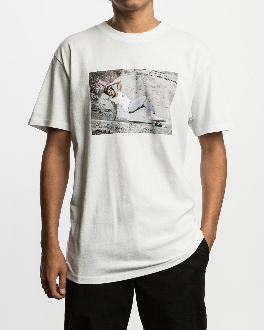 2 Christian Hosoi Oblow Layback T-Shirt White M410SRHS RVCA