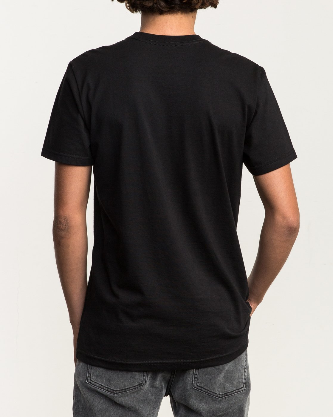 3 ANP Pocket T-Shirt  M412SRAN RVCA