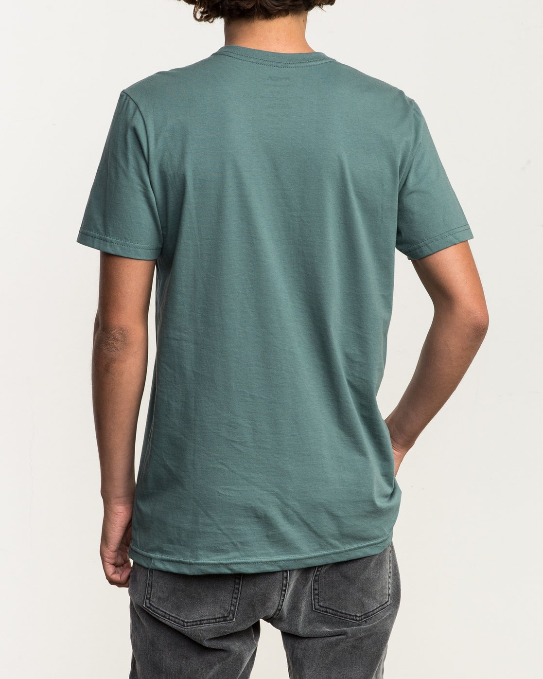 3 ANP Pocket T-Shirt Green M412SRAN RVCA