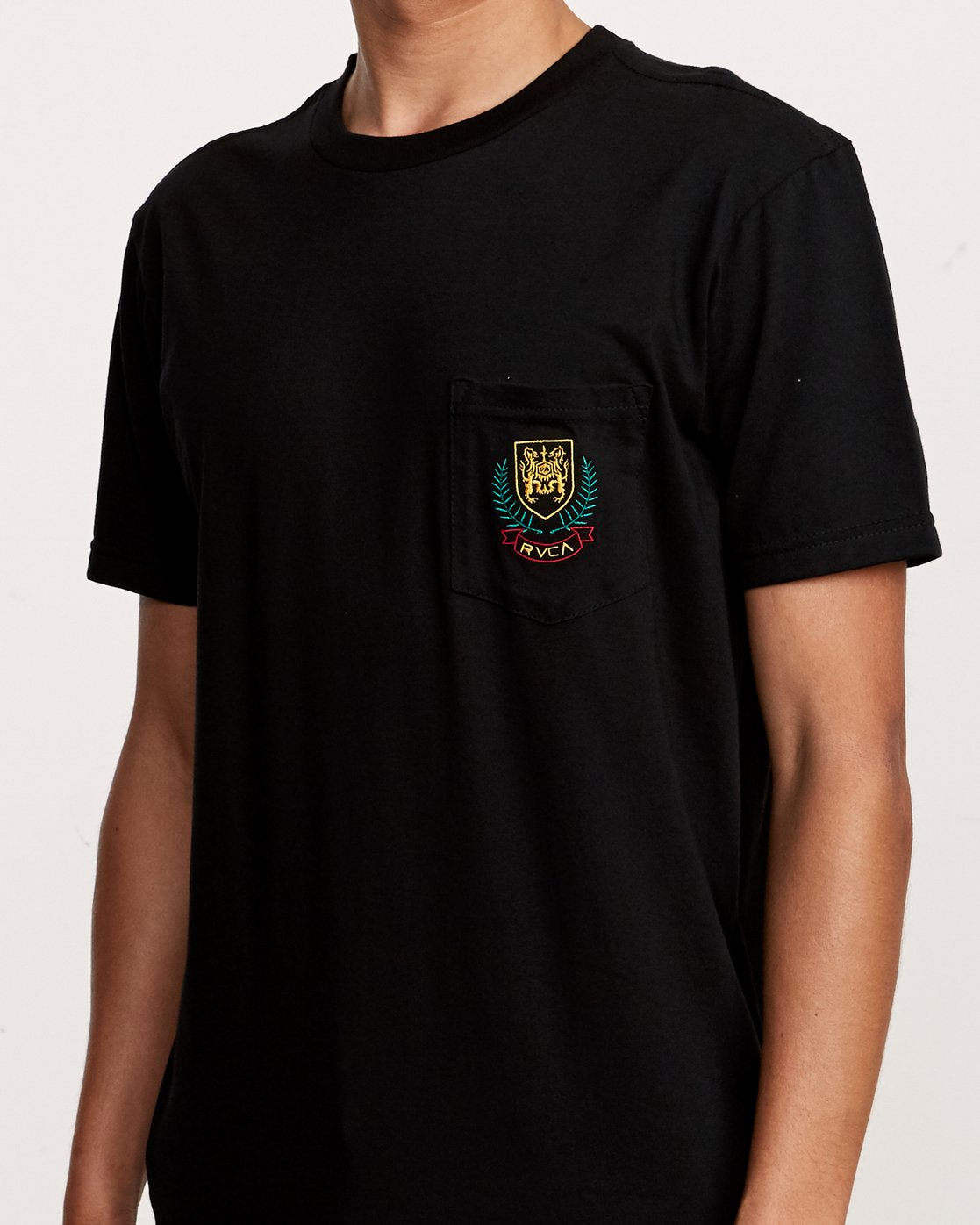 3 Royale Pocket TEE Black M412VRRO RVCA