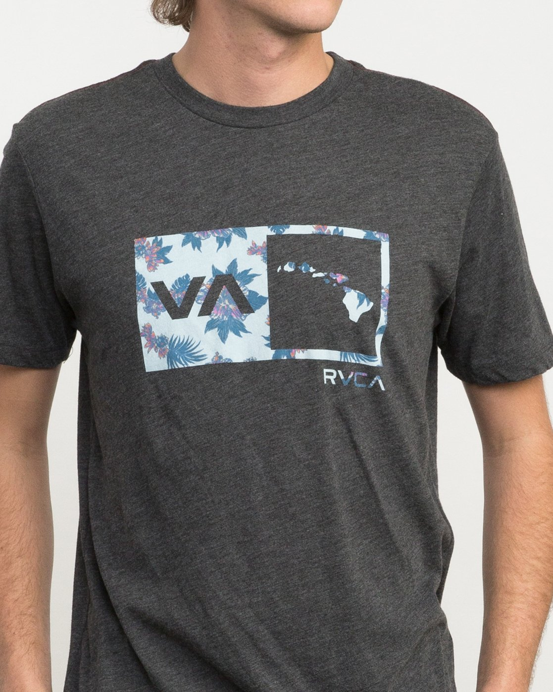 4 Floral Balance Box T-Shirt  M420PRFS RVCA