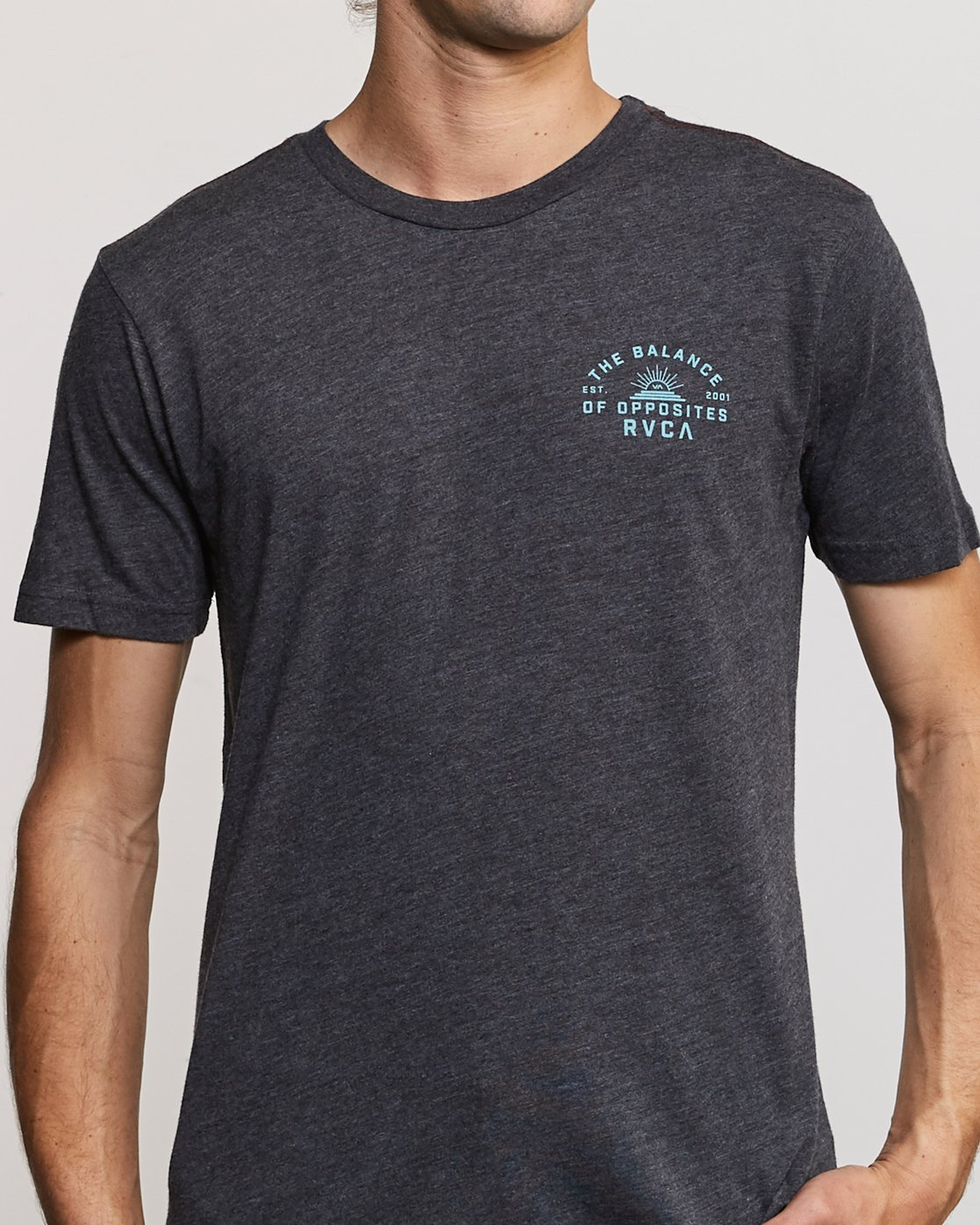 5 Risen T-Shirt Black M420URRI RVCA