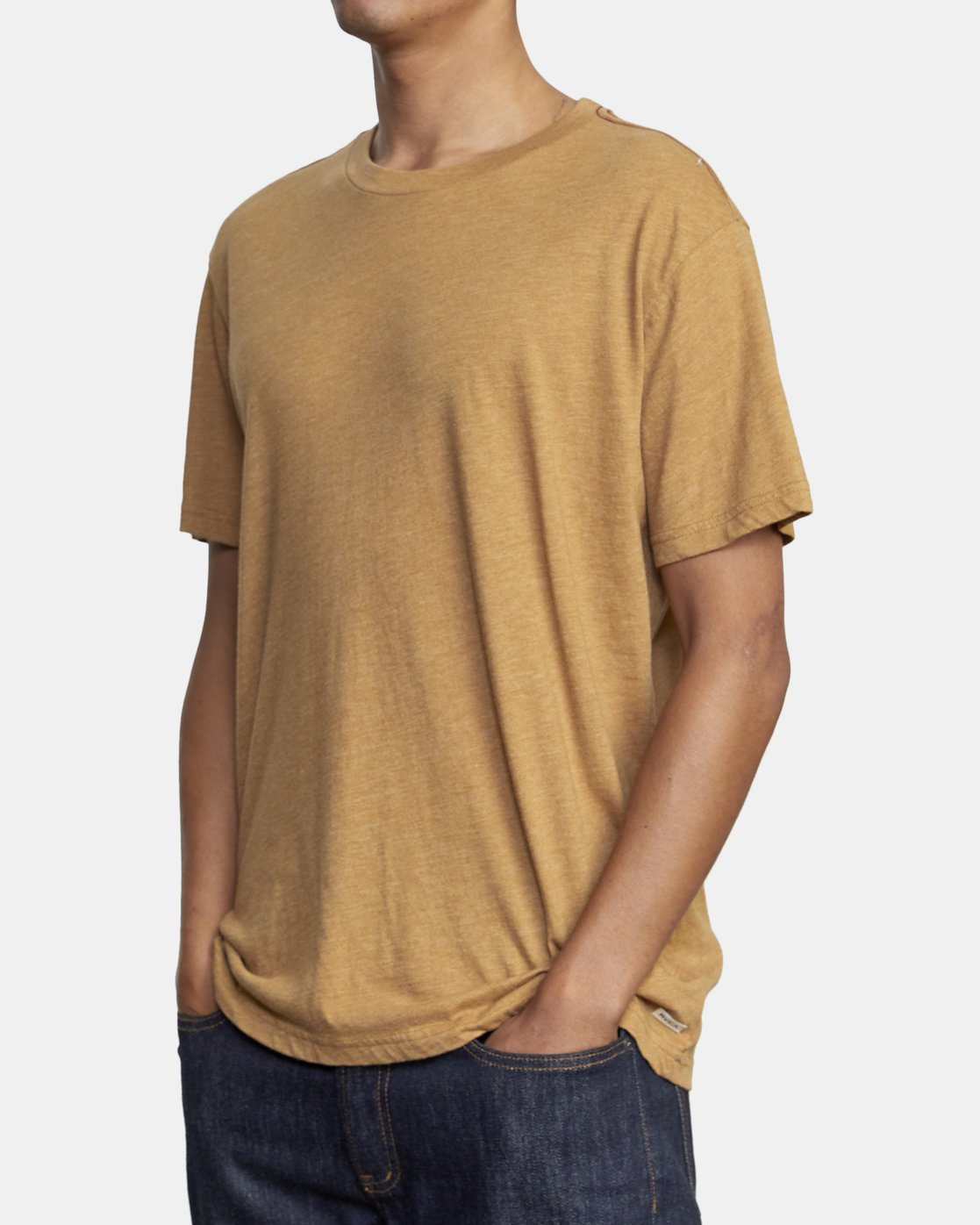5 SOLO LABEL SHORT SLEEVE TEE Brown M420VRSO RVCA