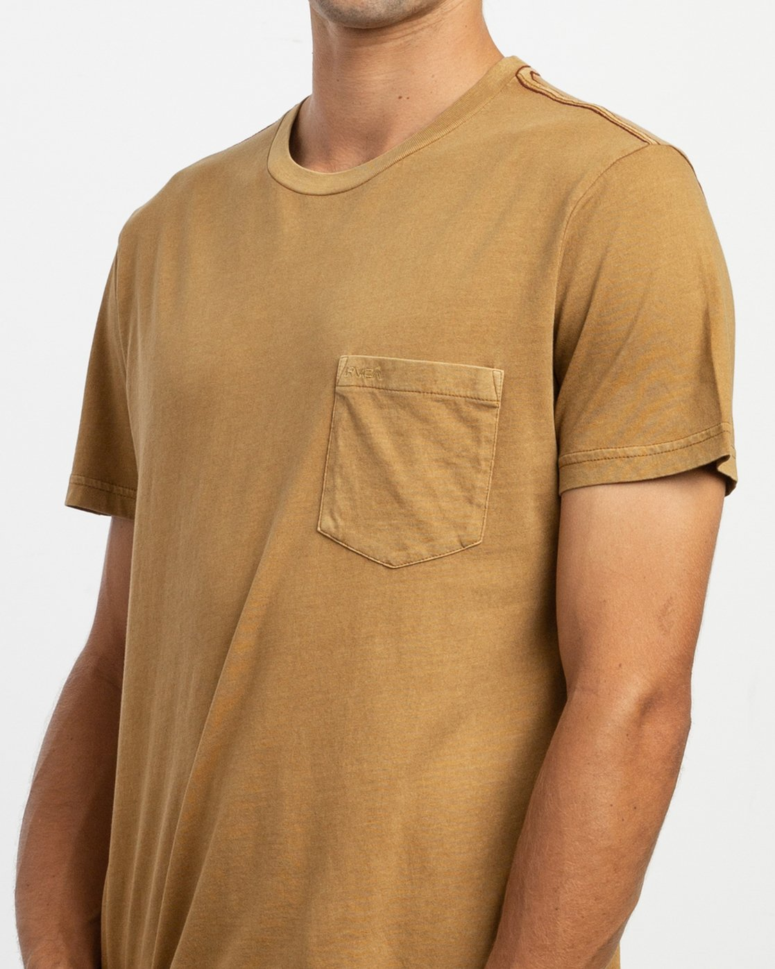 4 PTC 2 Pigment T-Shirt Brown M437TRPT RVCA