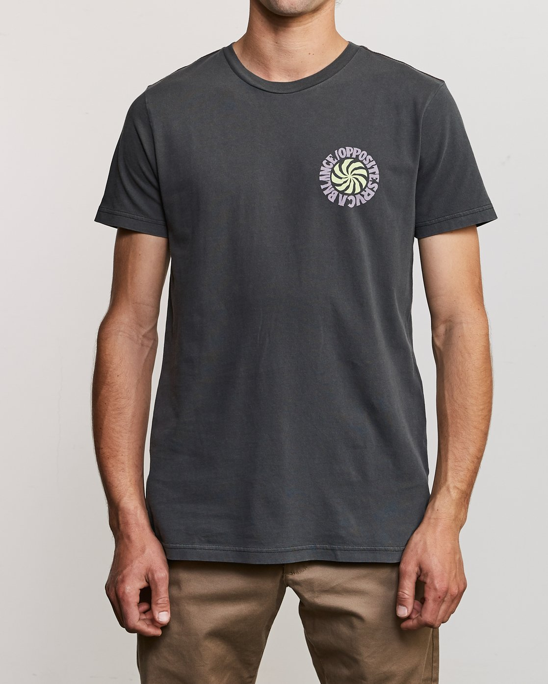 2 DMOTE Rvcafied T-Shirt Black M438URRV RVCA