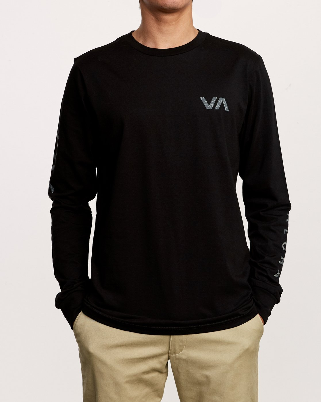 1 Da Aina Sphere Long Sleeve T-Shirt Black M451VRDA RVCA