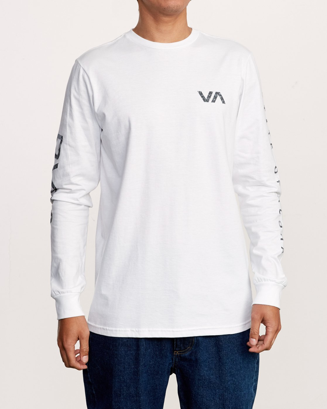 2 Da Aina Sphere Long Sleeve T-Shirt White M451VRDA RVCA