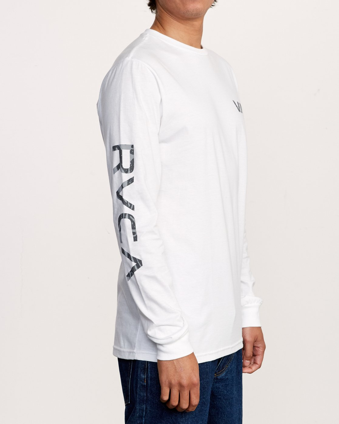 4 Da Aina Sphere Long Sleeve T-Shirt White M451VRDA RVCA