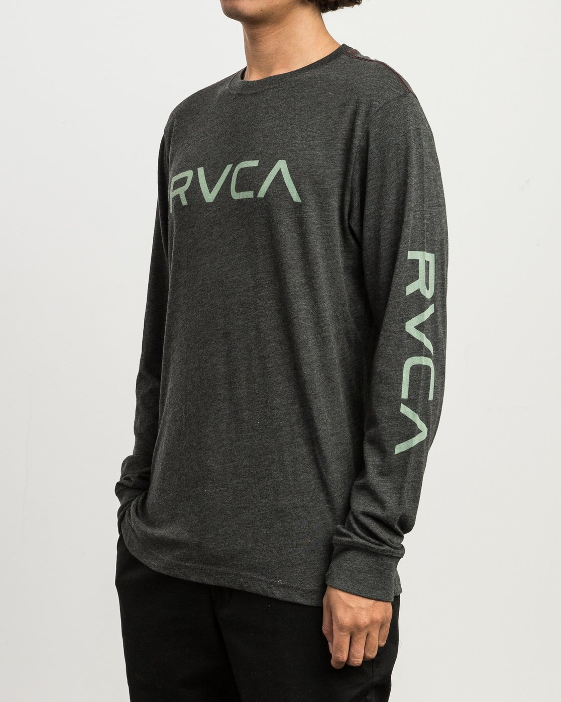 3206cb6b4 2 Big RVCA Long Sleeve T-Shirt Black M452SRBI RVCA