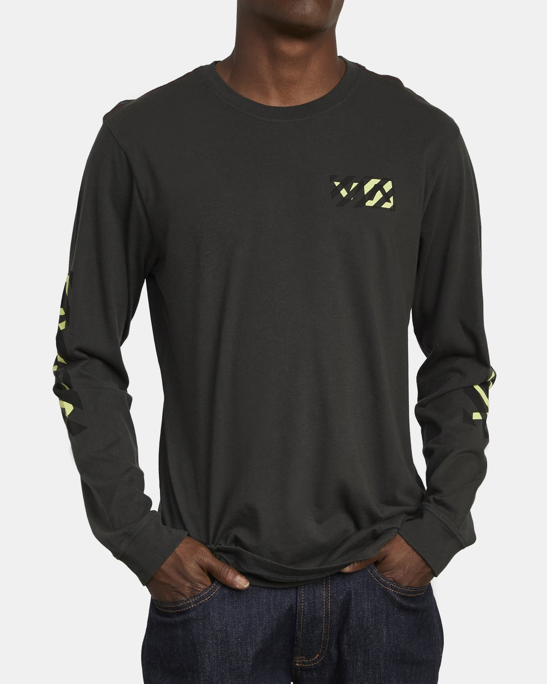 3 HAZARD LONG SLEEVE T-SHIRT Black M4631RHA RVCA