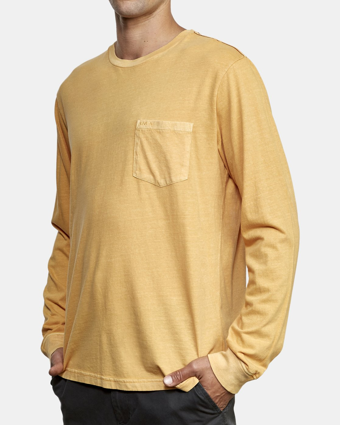 2 PTC Pigment Long Sleeve T-Shirt Red M467TRPT RVCA