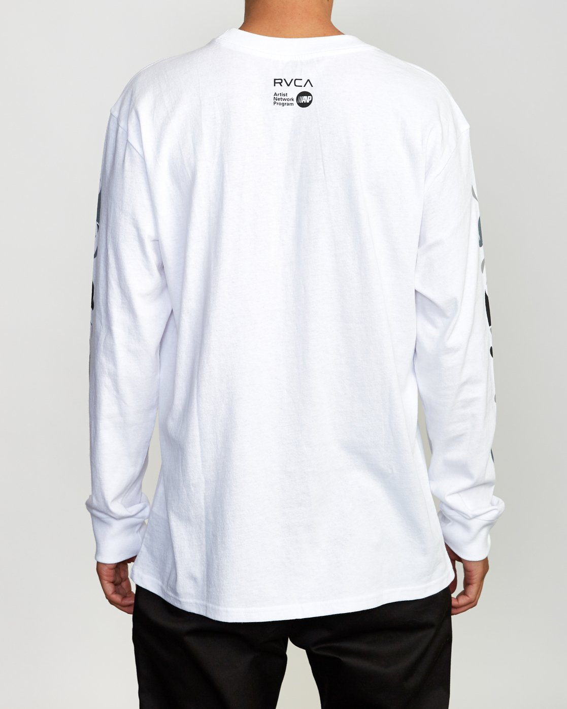 5 Mhak Tokyo Long Sleeve T-Shirt White M492VRMH RVCA
