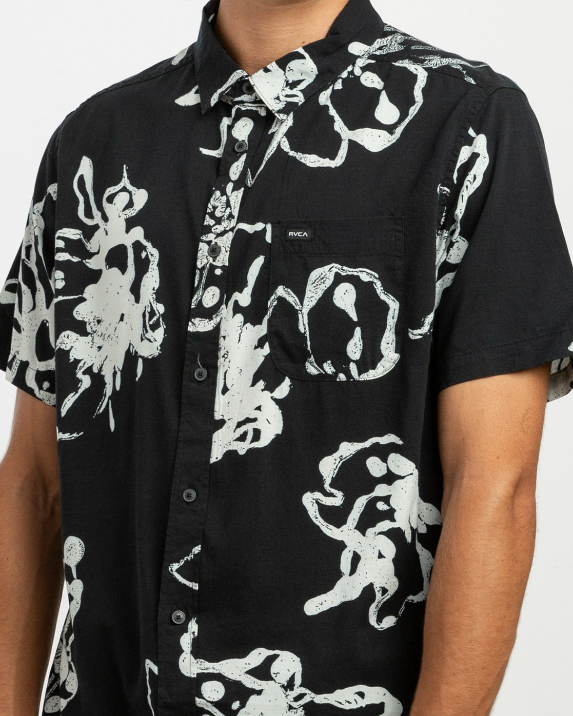 4 Sage Vaughn Linear Button-Up Shirt Black M502TRVL RVCA
