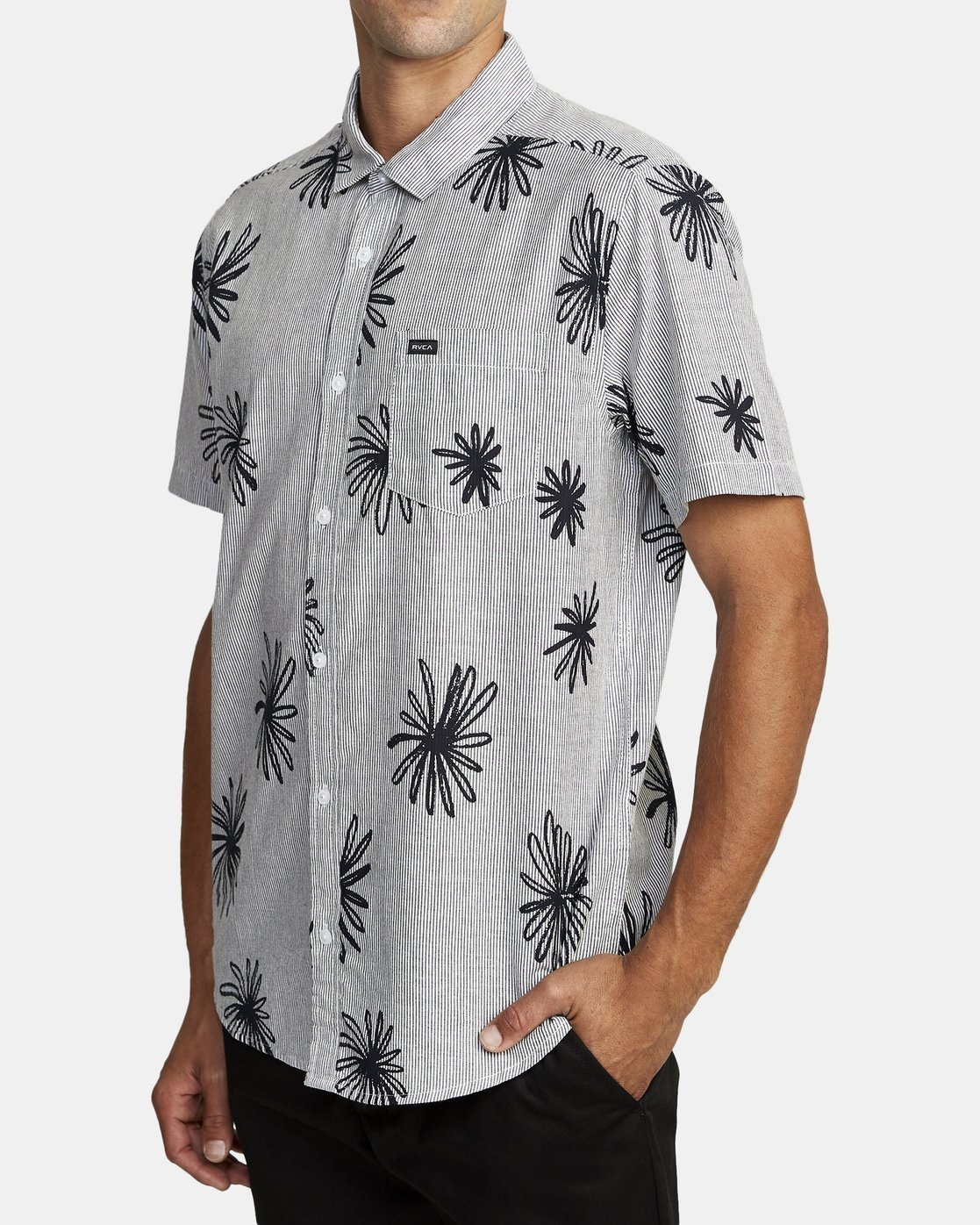 6 WHIRLS SHORT SLEEVE SHIRT Black M5052RWH RVCA