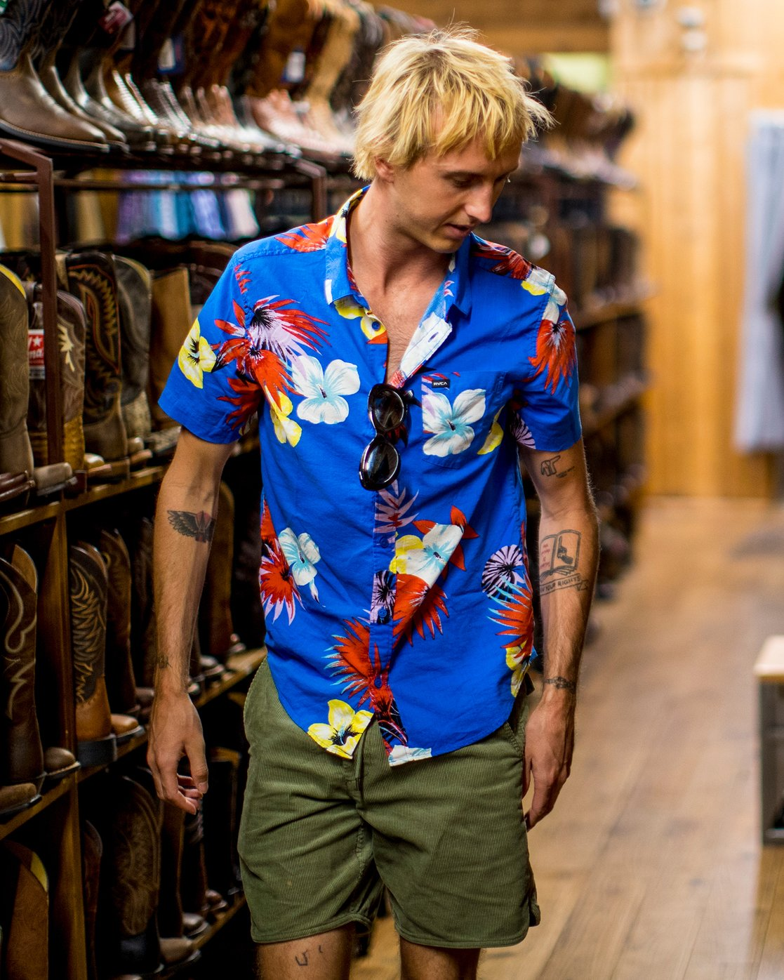 1 Romeo Floral Button-Up Shirt Blue M567URRF RVCA