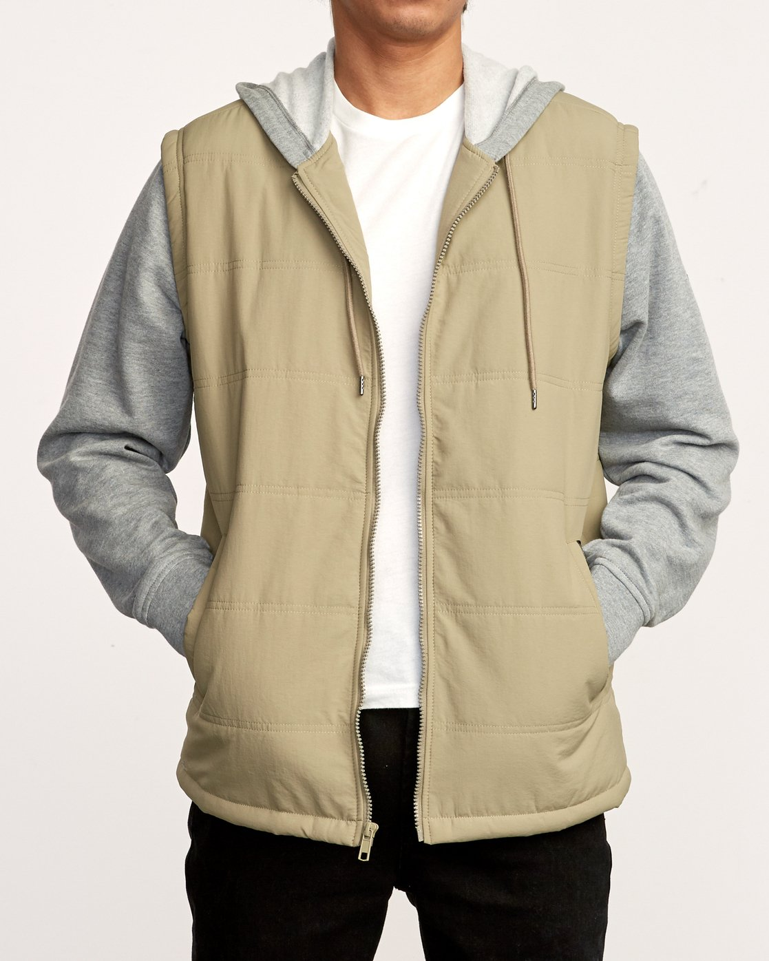 1 Logan Puffer Jacket White M610VRLG RVCA