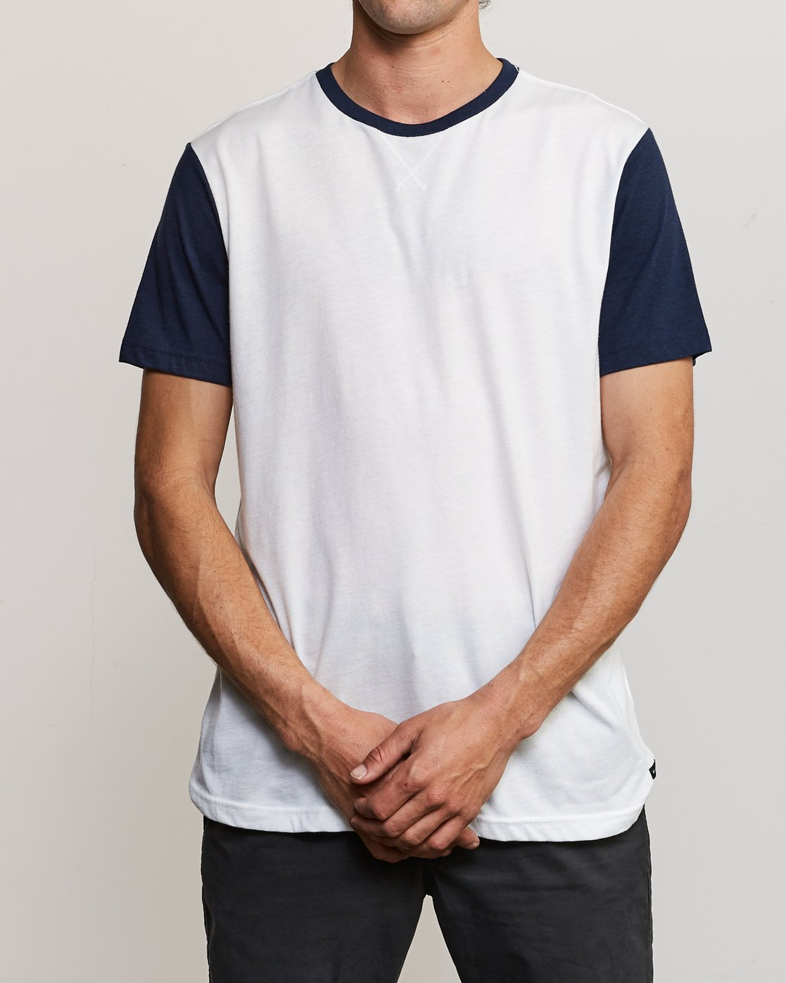 1 Pick Up Knit Shirt White M913QRPU RVCA