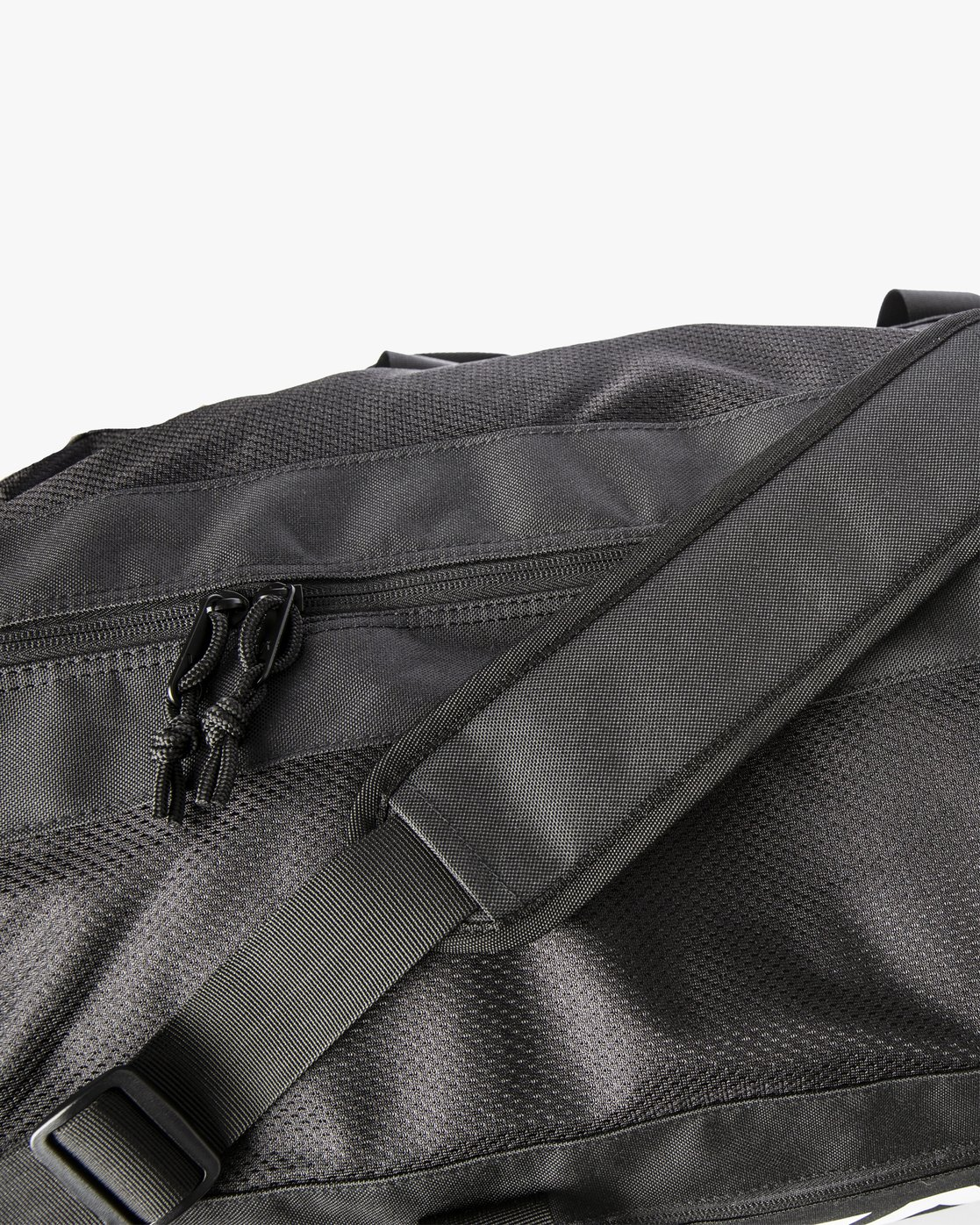 1 Vents Training Duffel Bag Black MADFTRVT RVCA