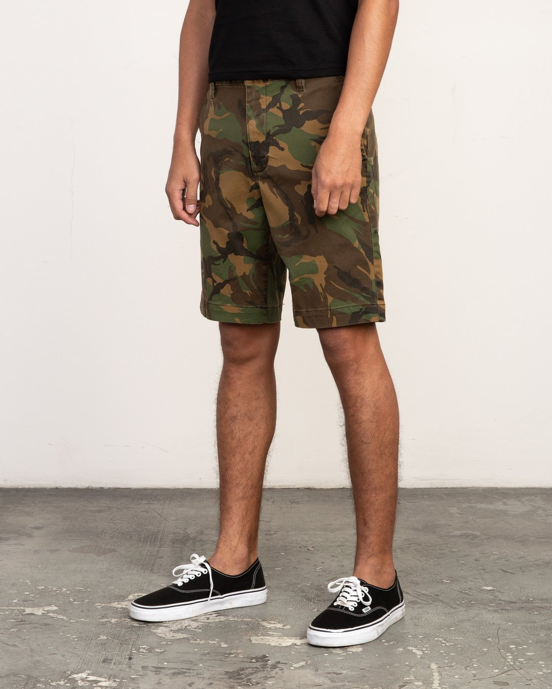 2 Week-End Stretch Shorts Camo MC202WKS RVCA