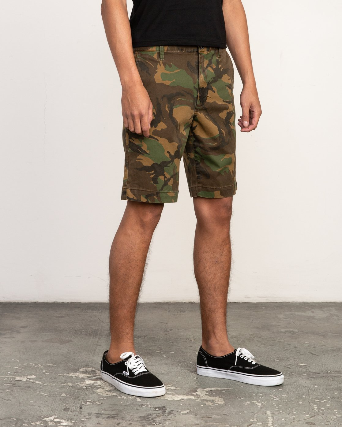 6 Week-End Stretch Shorts Camo MC202WKS RVCA