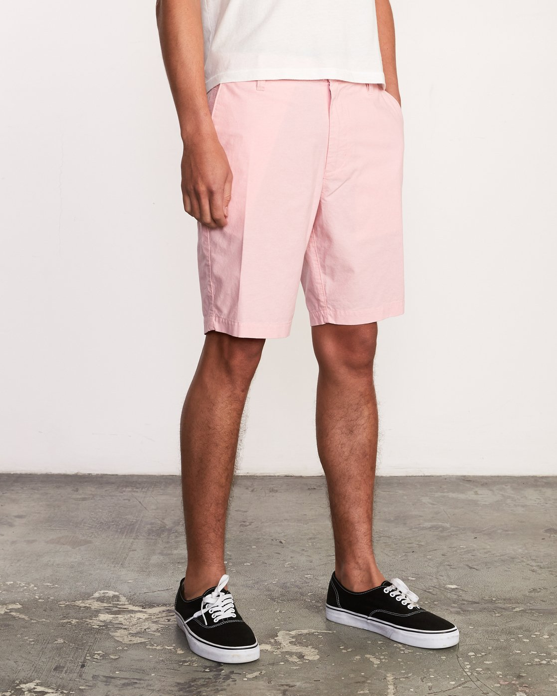 6 That'll Walk Oxford Short Pink MJ214TWO RVCA