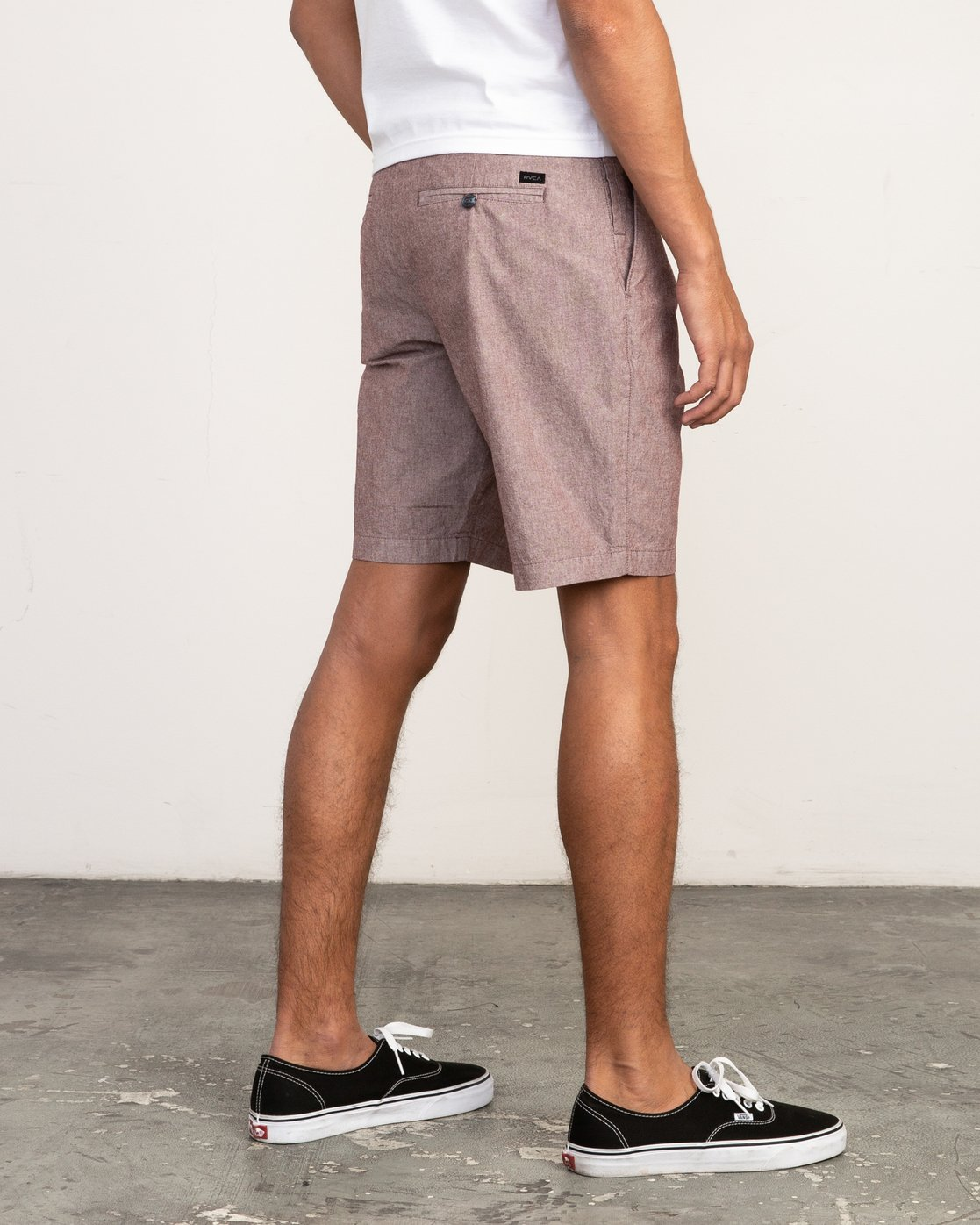 5 That'll Walk Oxford Short Red MJ214TWO RVCA