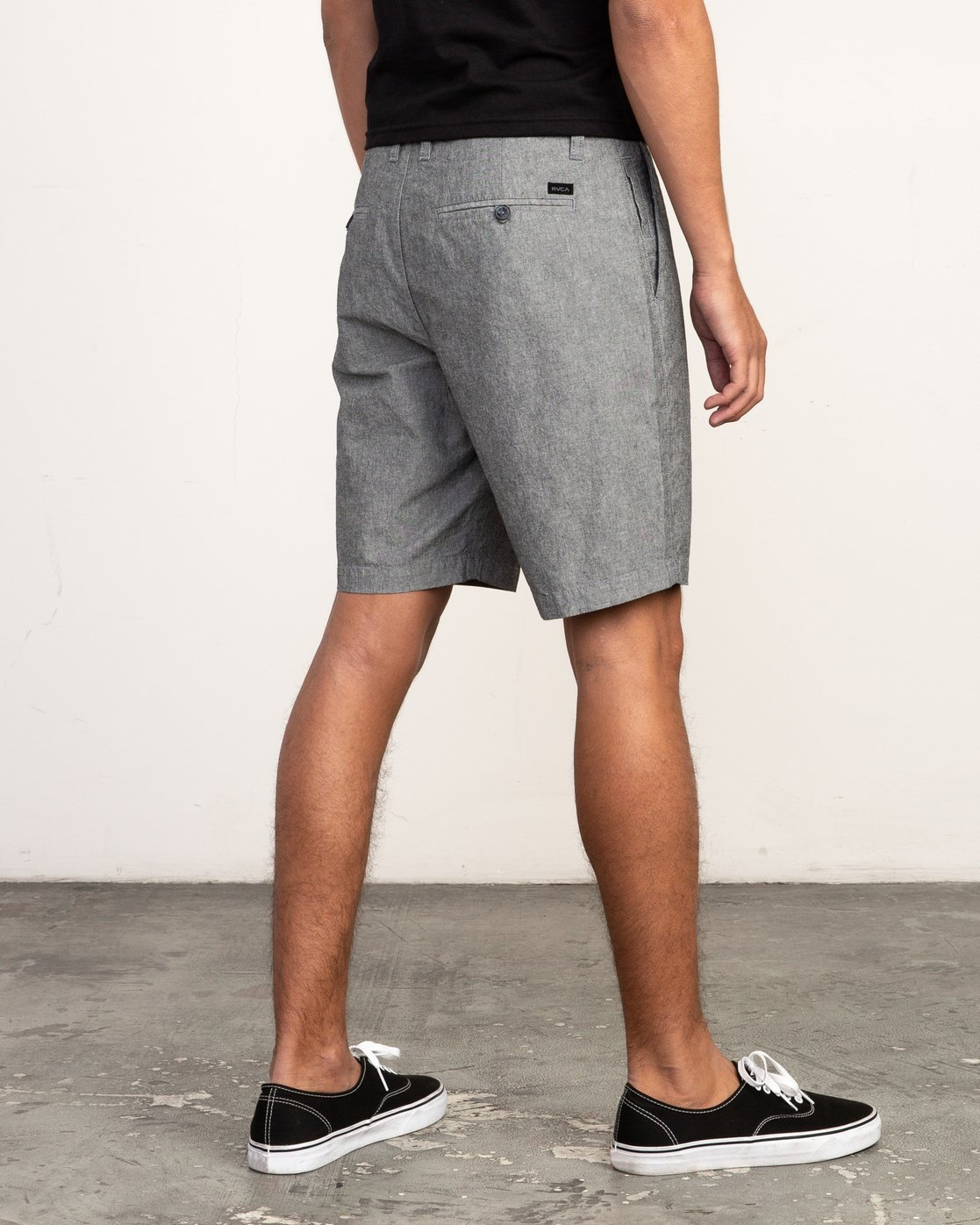 4 That'll Walk Oxford Short Black MJ214TWO RVCA