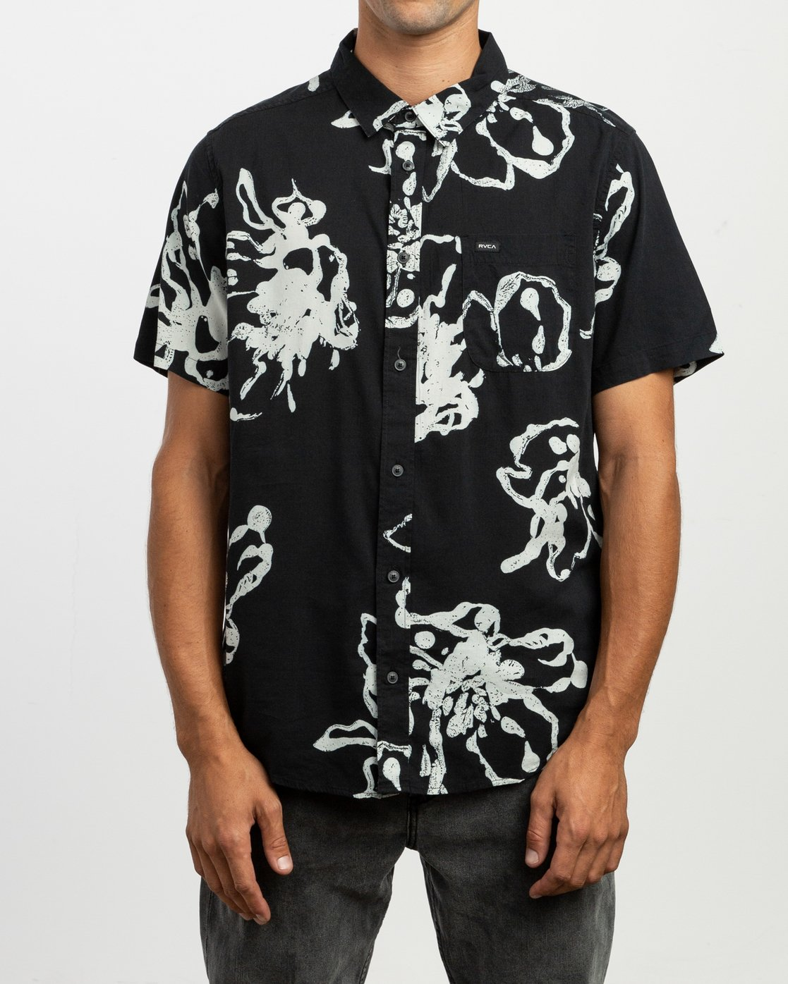 1 Vaughn Linear SS Shirt Black N1SHRIRVP9 RVCA