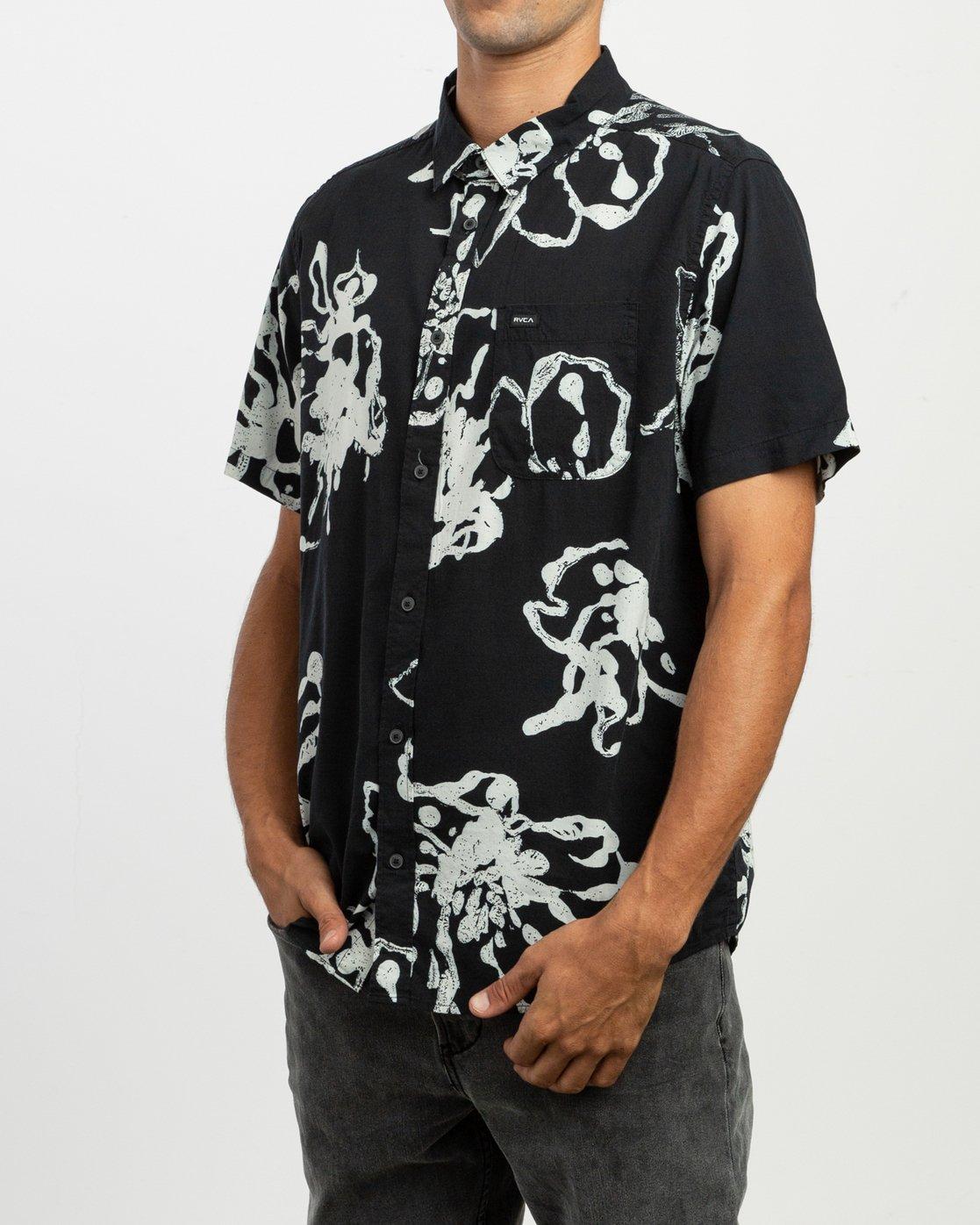 2 Vaughn Linear SS Shirt Black N1SHRIRVP9 RVCA