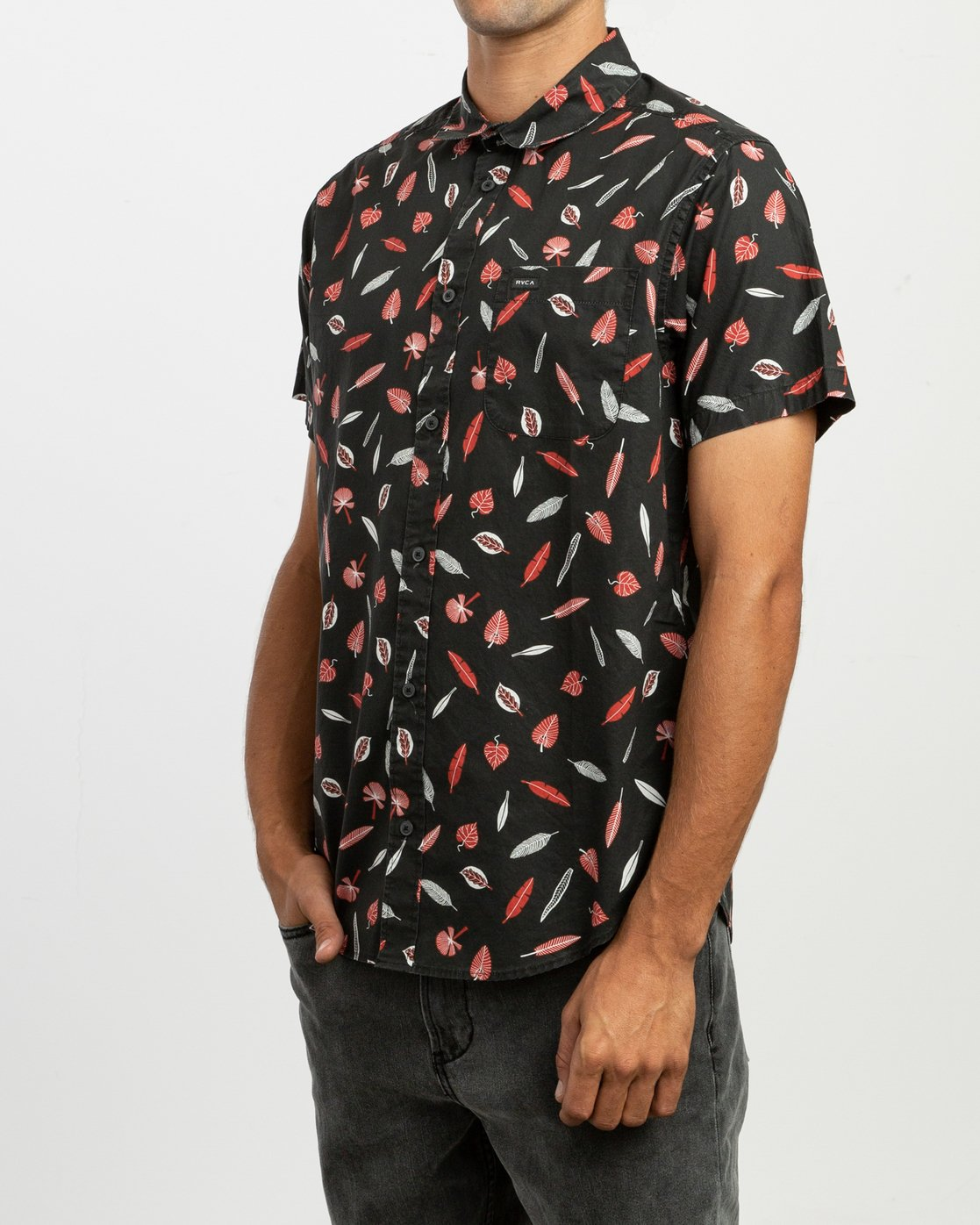 3 Gerrard SS Shirt Black N1SHRJRVP9 RVCA