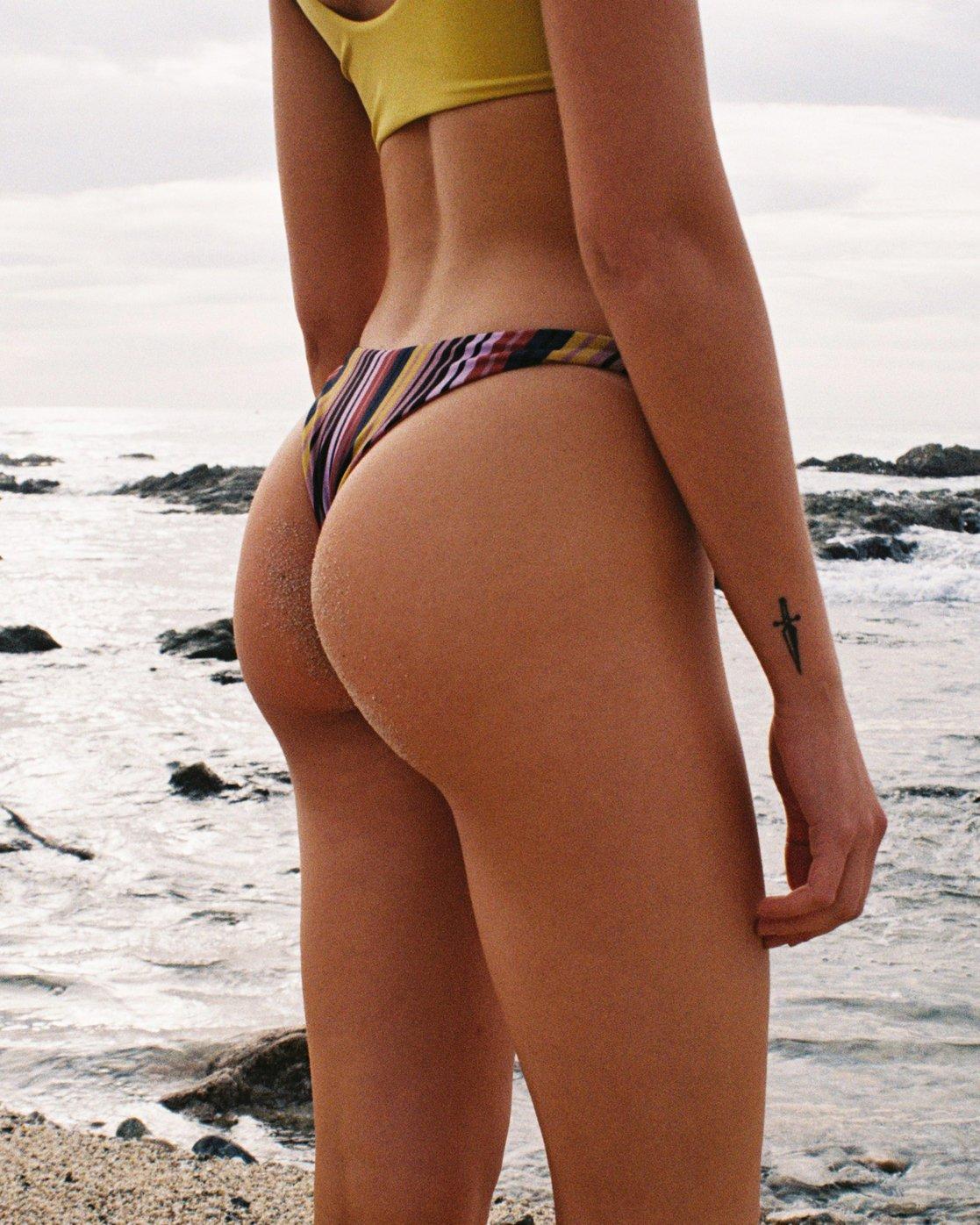 0 Talum French Skimpy Bikini Bottoms Red N3SBRWRVP9 RVCA