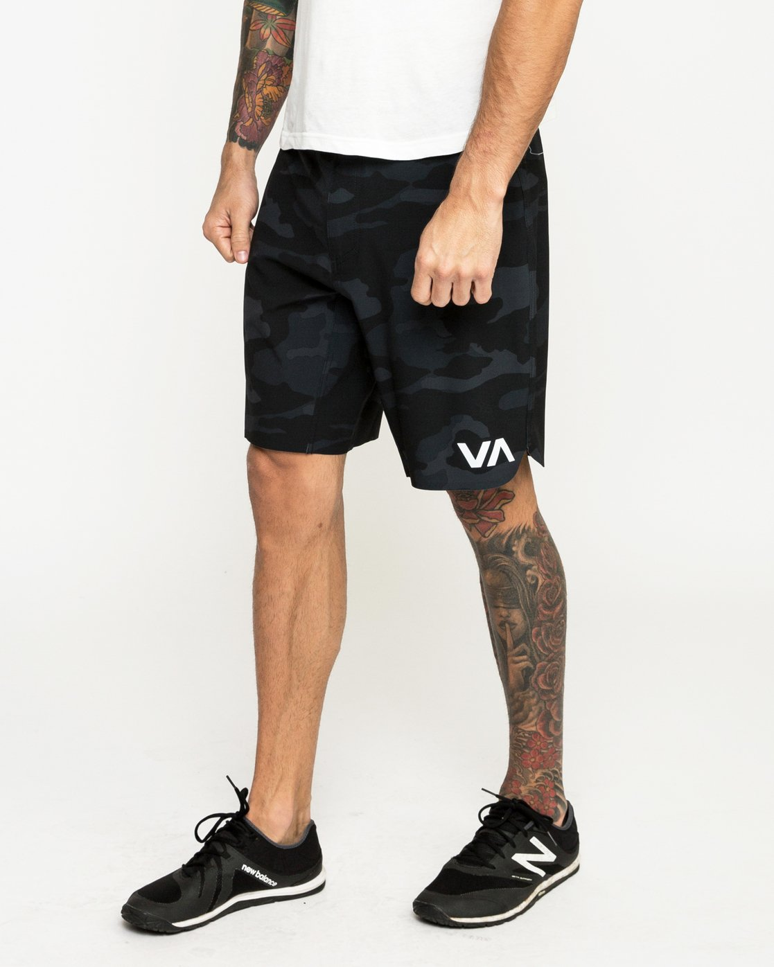 2 Train Short 19In Camo N4WKMCRVP9 RVCA