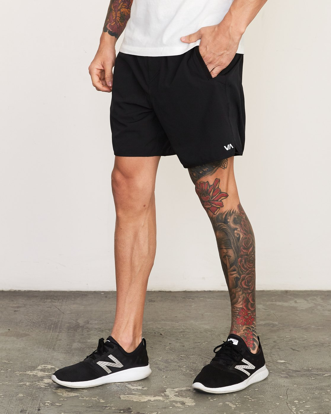 "2 Yogger Stretch 17"" Short Black N4WKMFRVP9 RVCA"