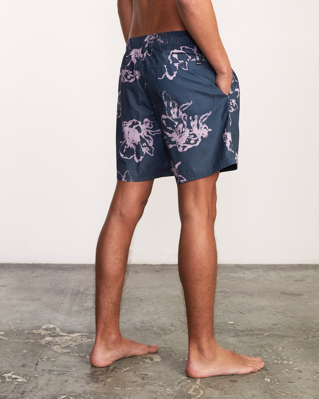 "6 Kristen Liu Wong Program Elastic Short - 17"" Boardshorts for Men Blue P1VORDRVS9 RVCA"