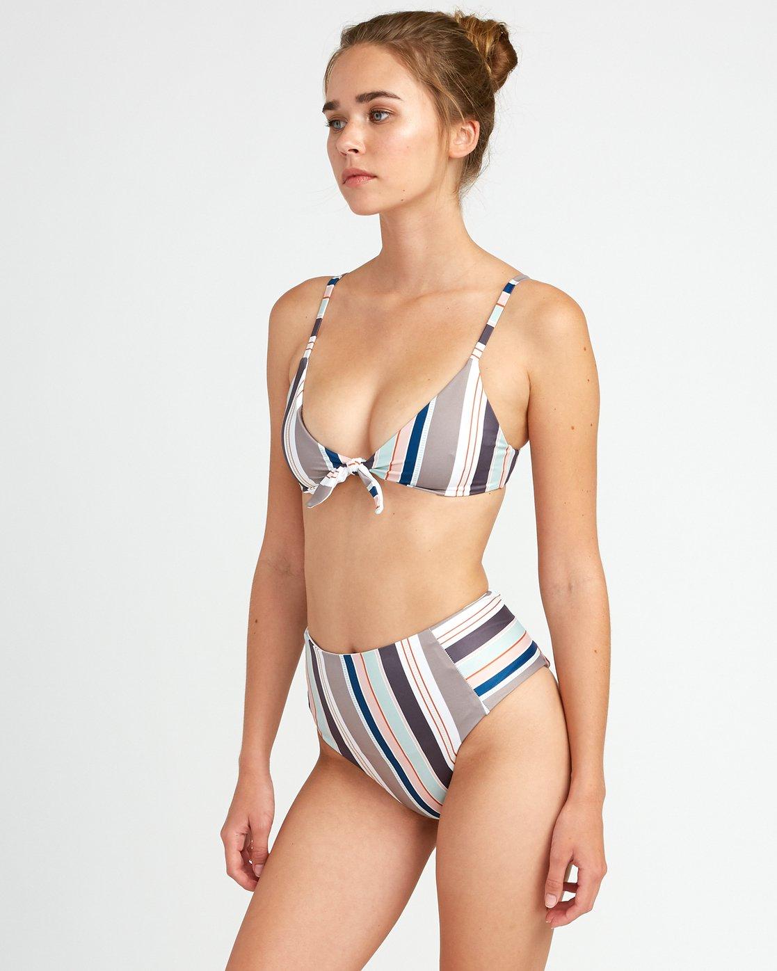 2 Off Shore Knot Front Bikini Top White P3STRCRVS9 RVCA