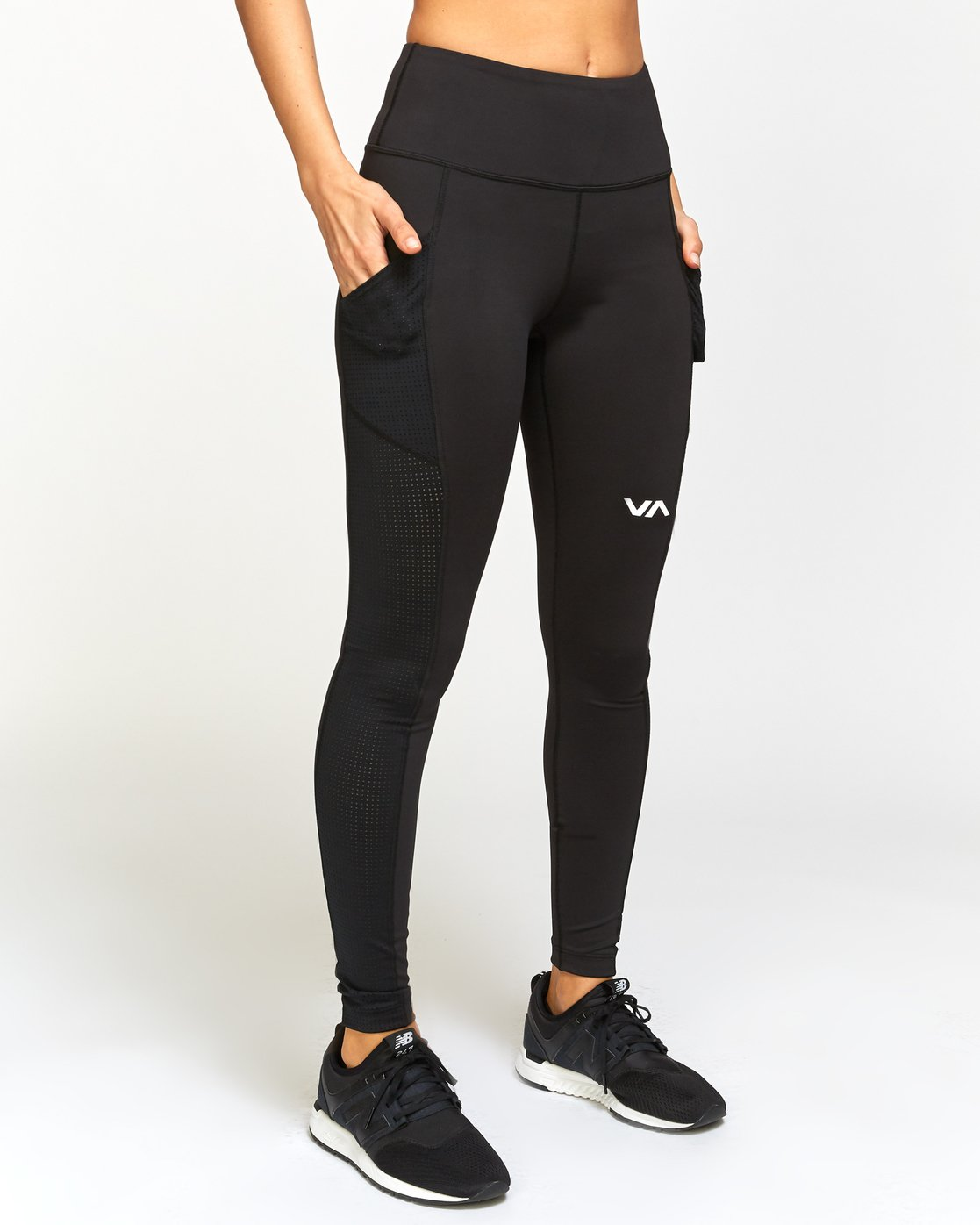 5 Atomic  - Sports High Rise Legging  Q4PTWERVF9 RVCA