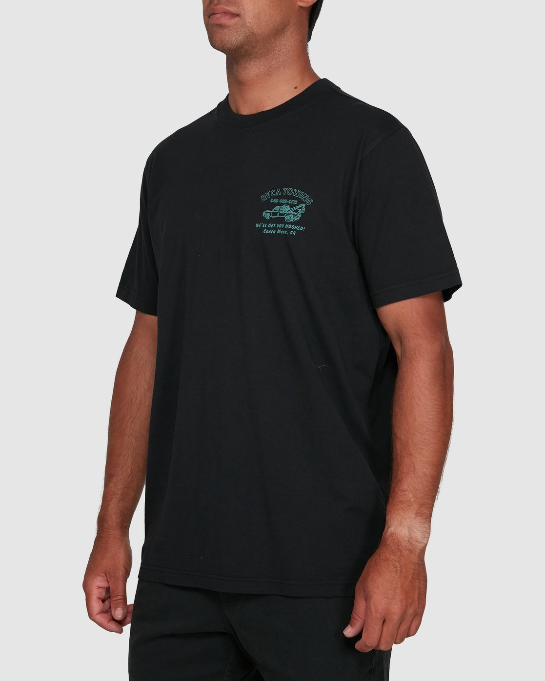 2 RVCA TOWING SHORT SLEEVE TEE  R105061 RVCA