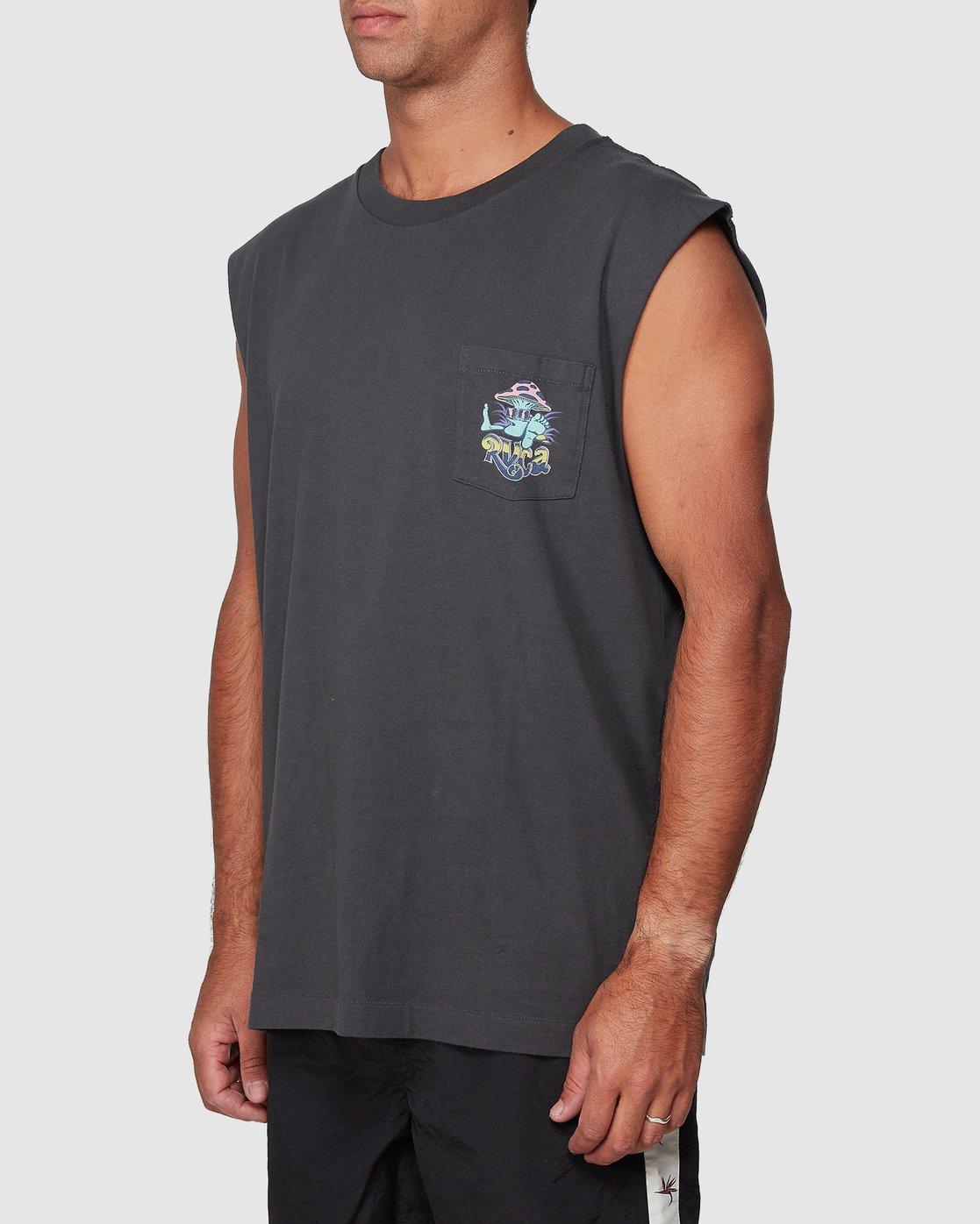 2 Mushie Kid Pocket Muscle  R107004 RVCA