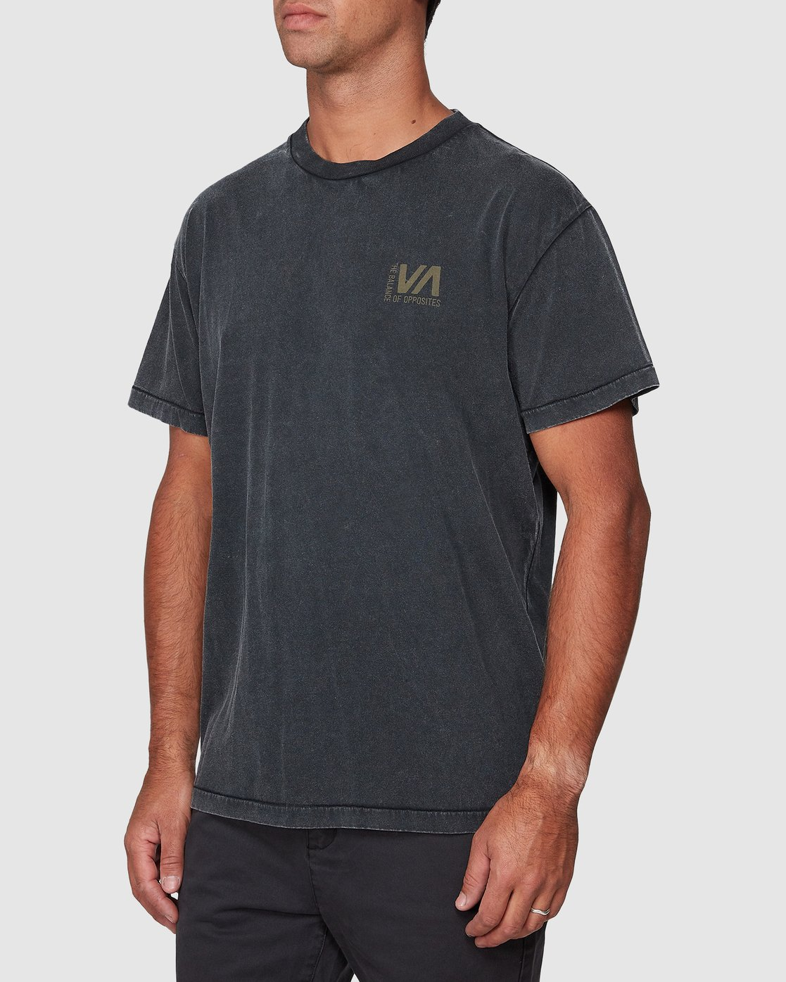 2 Balanced Short Sleeve Tee Black R107050 RVCA