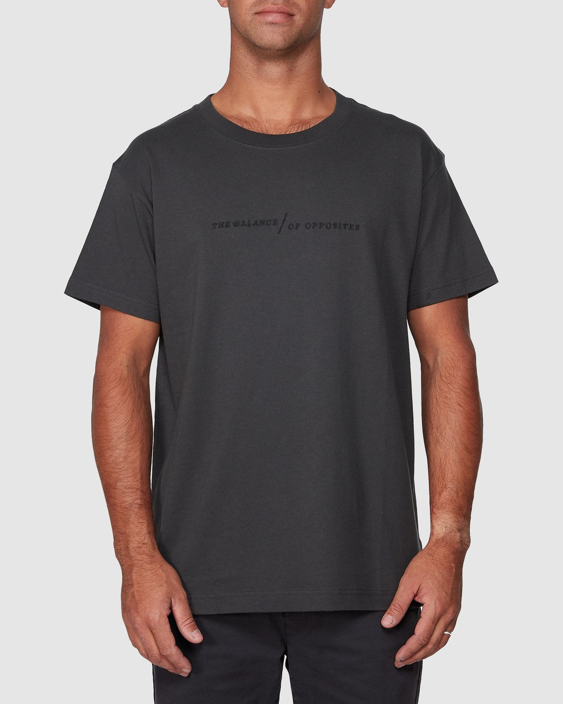 1 Italic Short Sleeve Tee Black R107052 RVCA