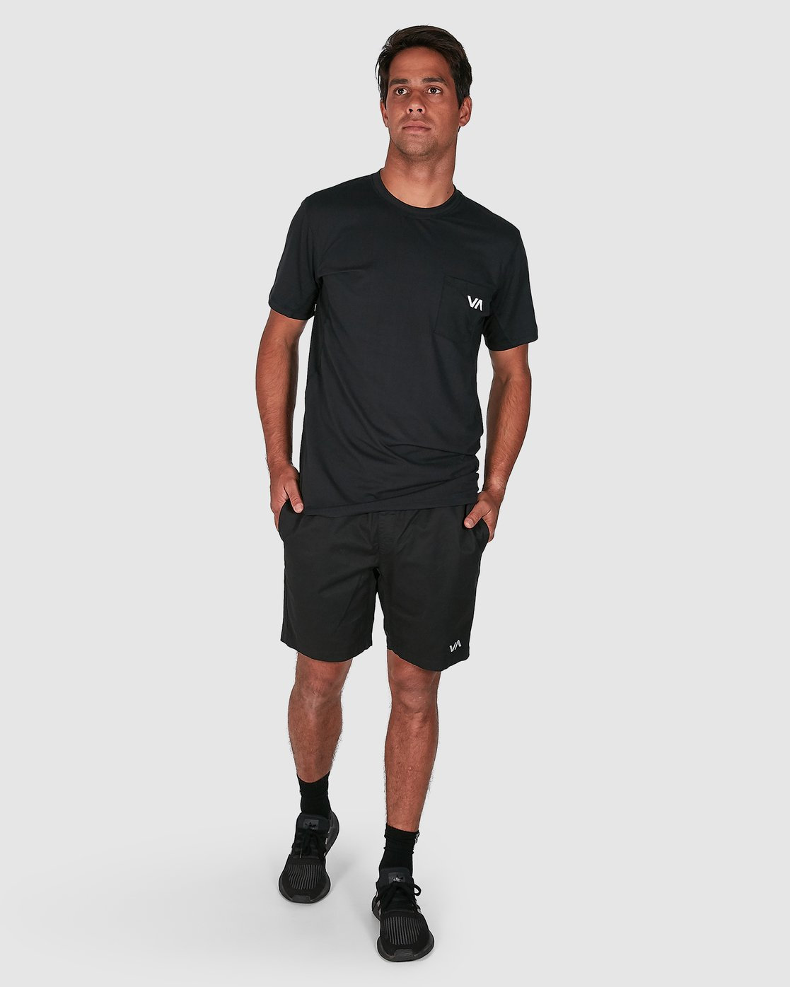 13 SPECTRUM SHORTS Black R107311 RVCA