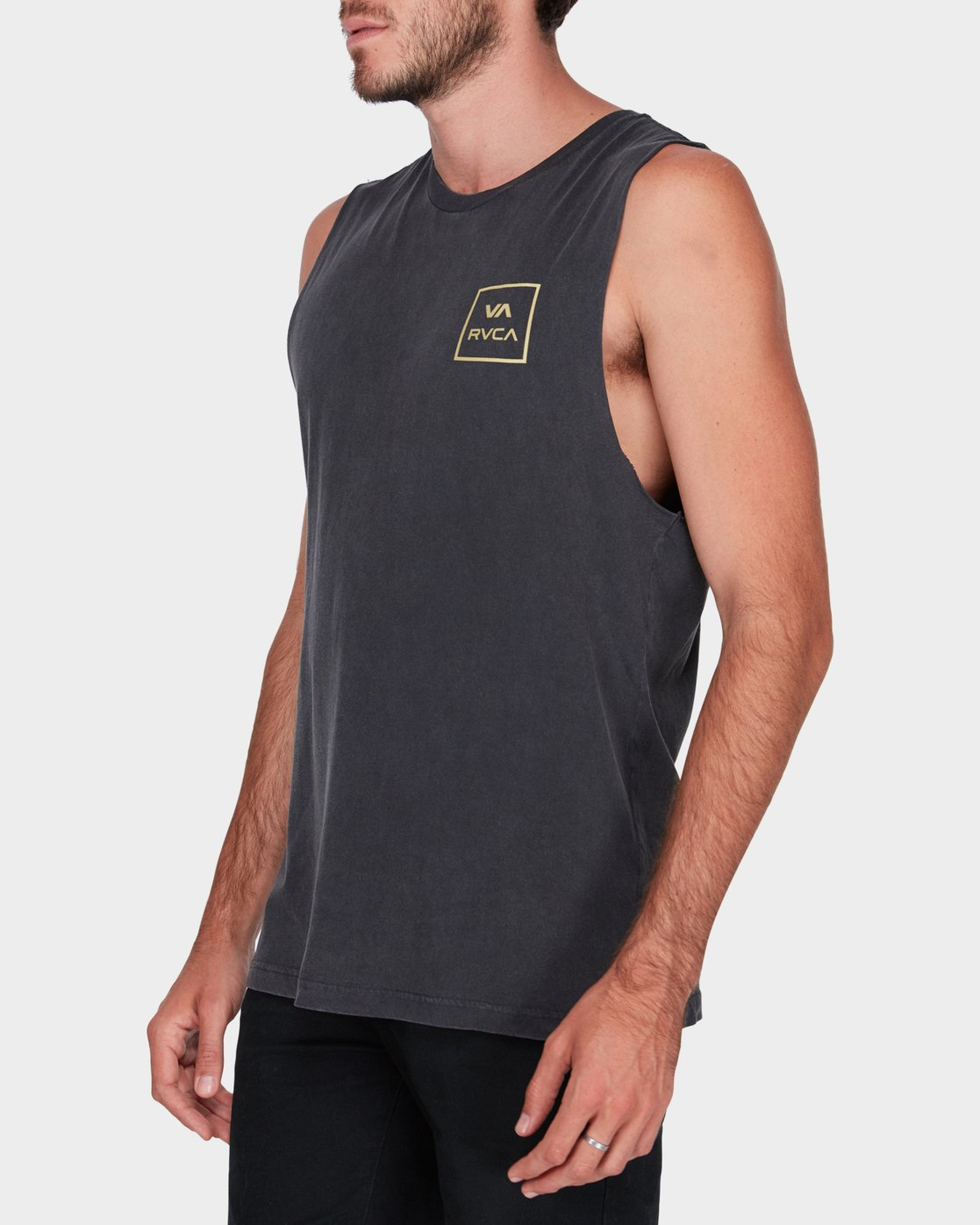 1 Va All The Ways Muscle  R172029 RVCA