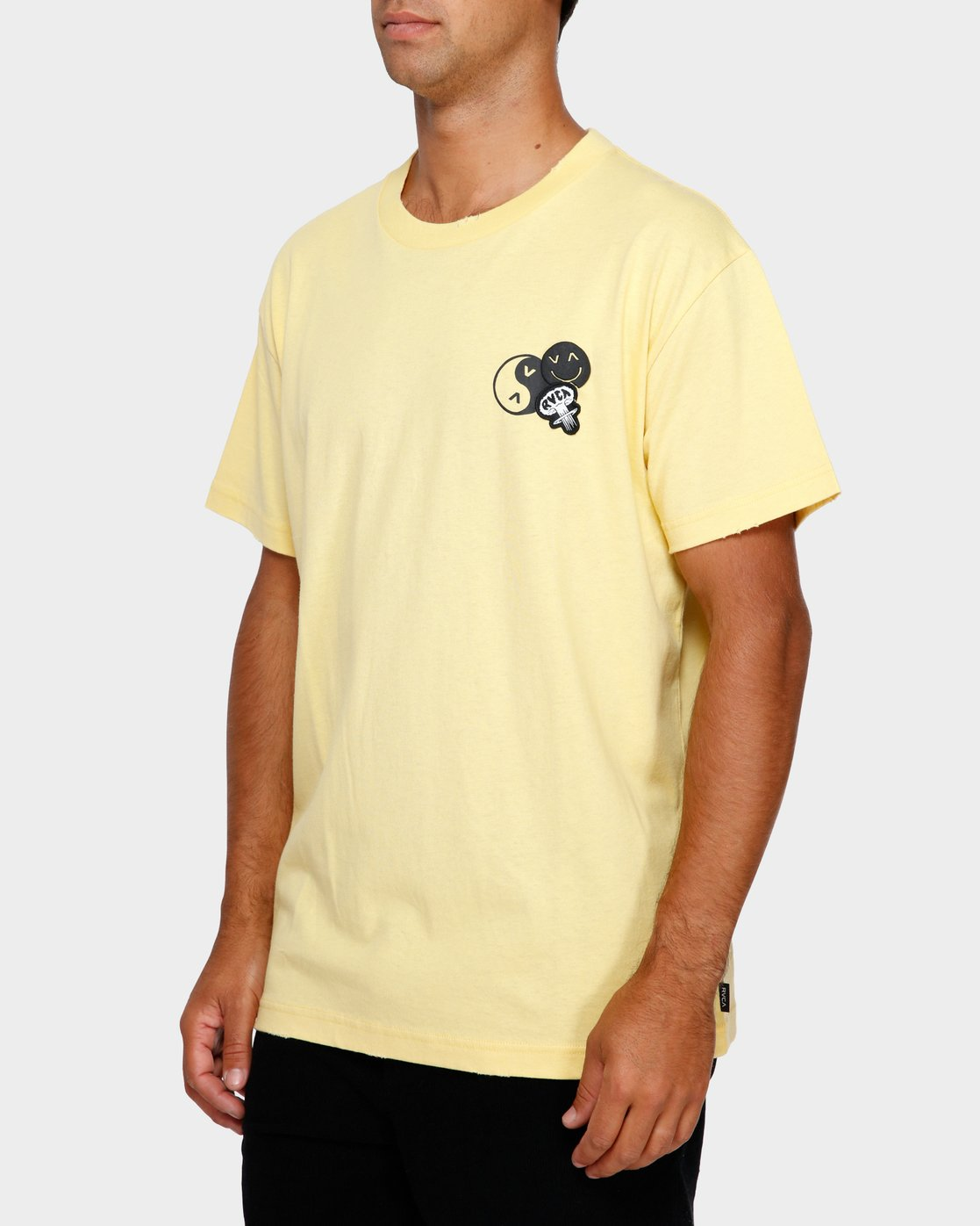 3 Atomic T-Shirt  R191062 RVCA