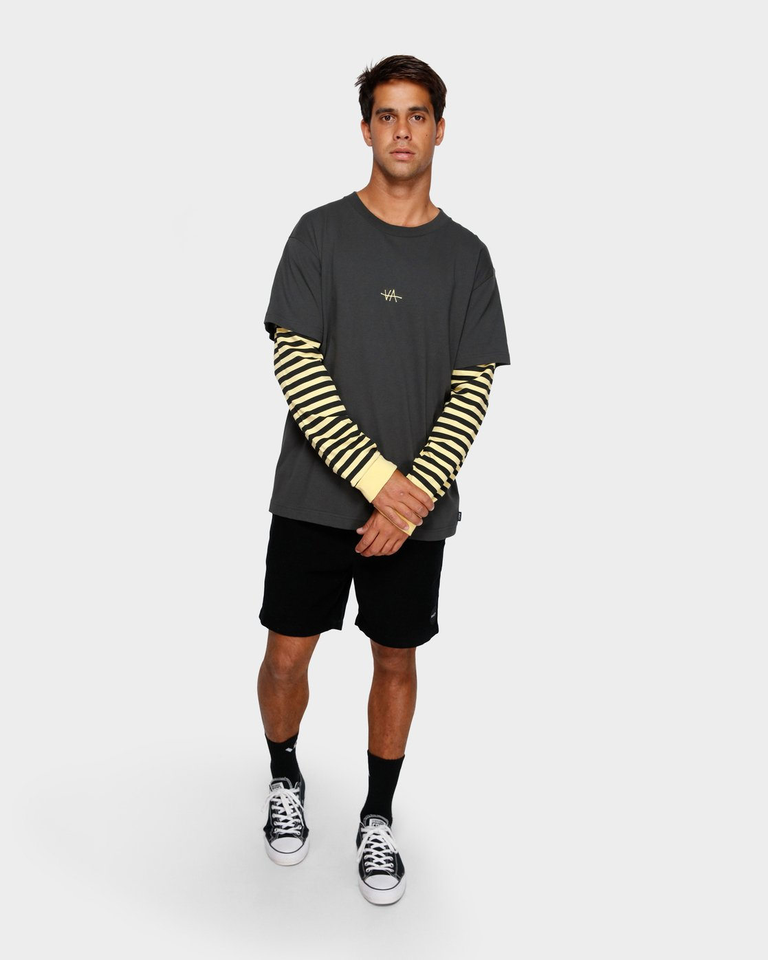 4 VA Lay Low Long Sleeve Tee  R191093 RVCA