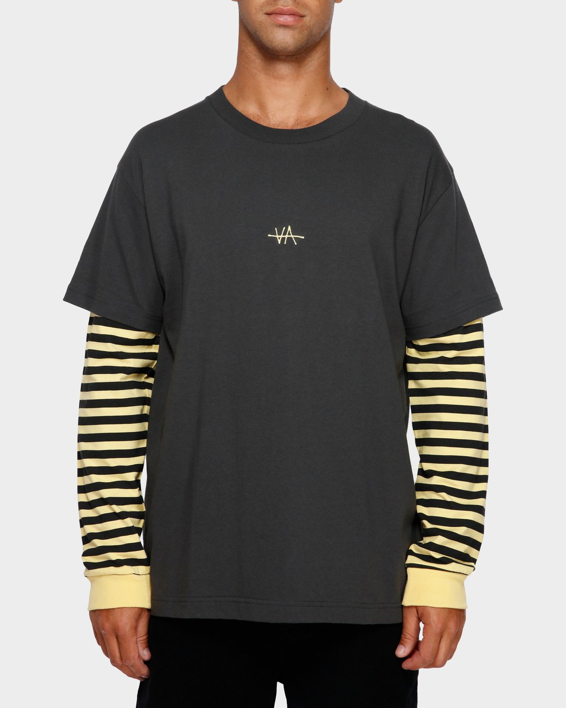 1 VA Lay Low Long Sleeve Tee Black R191093 RVCA