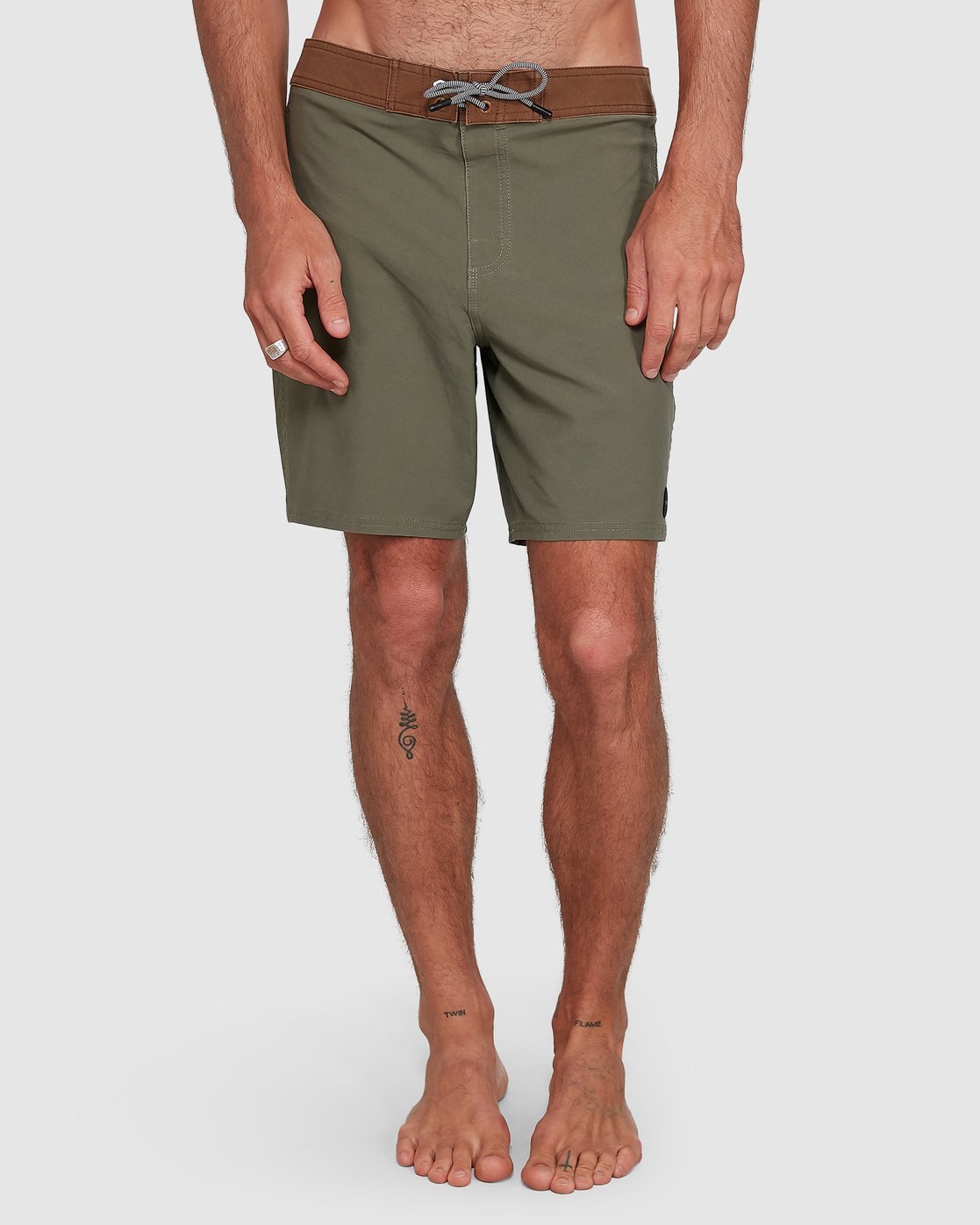 9 Va Trunk 17 Inch Short Green R192407 RVCA
