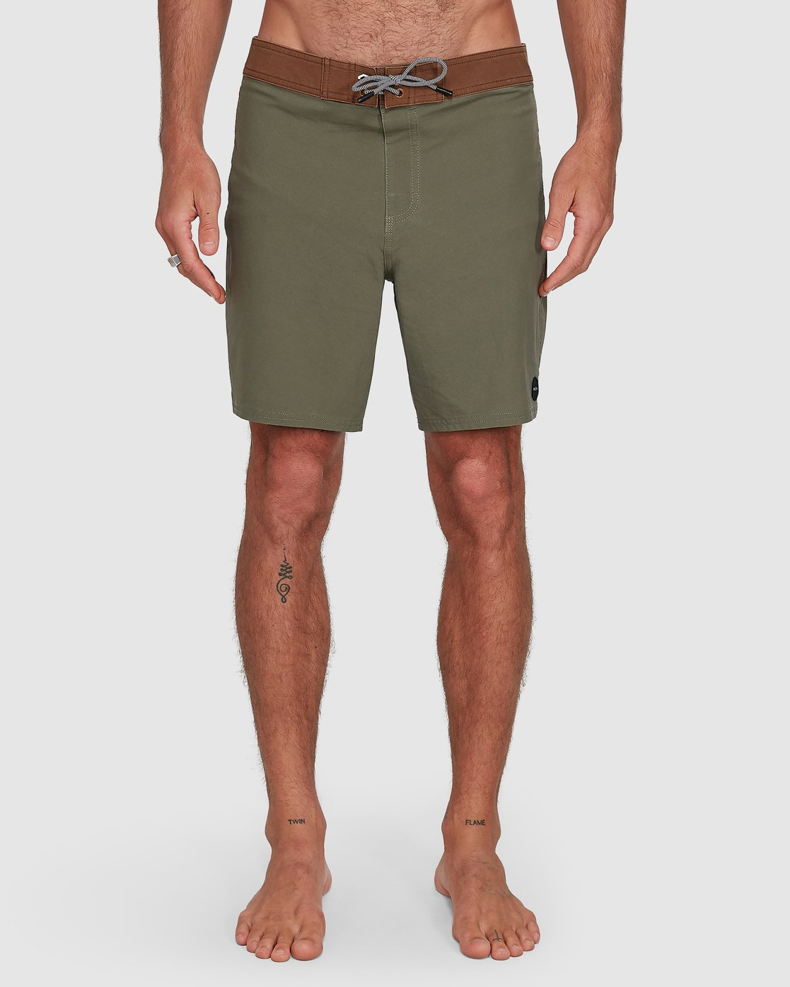 6 Va Trunk 17 Inch Short Green R192407 RVCA